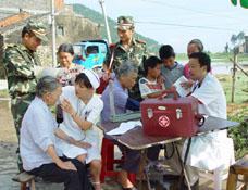 温州全力开展灾后卫生防疫工作