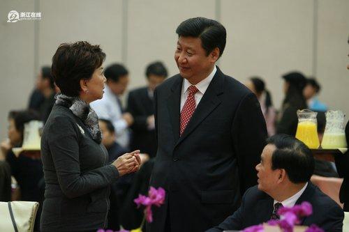 习近平吕祖善等会见港澳华侨委员