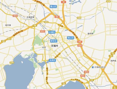 北倚长江,南濒太湖,东与苏州接壤,西与常州交界,京杭大运河