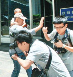 """瓯海教育局调查围堵记者事件 称""""吃空饷""""一说不实"""