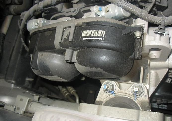 新福克斯发动机漏油车主维权半年无果 厂家坚持只修不赔高清图片
