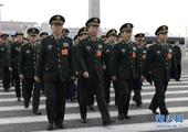 解放军代表列队步入人民大会堂