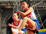 """苏州""""健康团操""""大赛 小学生秀高难度花式跳绳图片"""