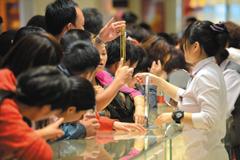 中国大妈抢金潮:缺乏投资渠道