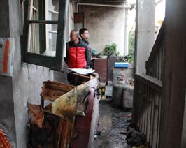 煤气爆炸 嘉兴一男子从二楼炸飞至一楼
