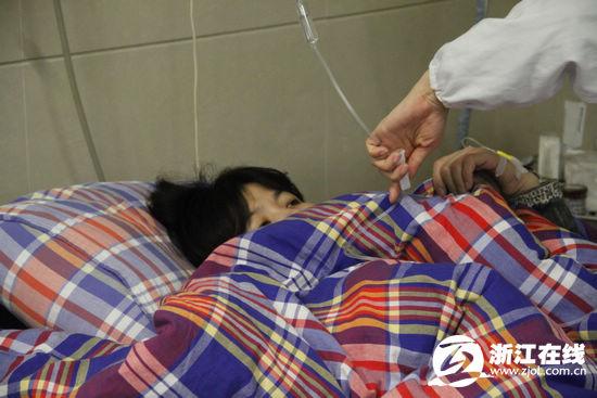 高清图—杭州下城区艮园小区一对双胞胎姐妹因房贷跳楼