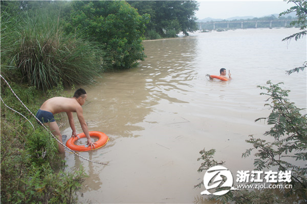 仙居钓鱼男子为捉落水羊 被溪水冲走下落不明