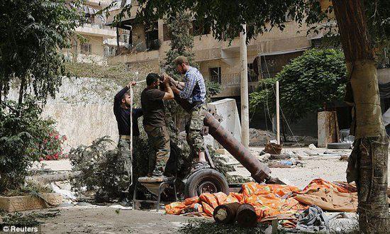 """美国 芝加哥/美国政府发现,叙利亚境内的武装分子可能已经开发出了一种""""新..."""