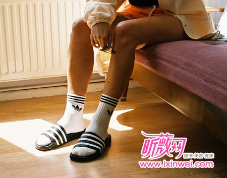 运动 拖鞋 风潮/塑胶运动拖鞋玩味风潮