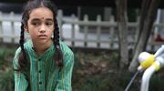 西湖边的尼泊尔少女