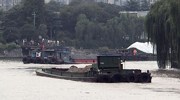 建筑垃圾通过水路运出杭城