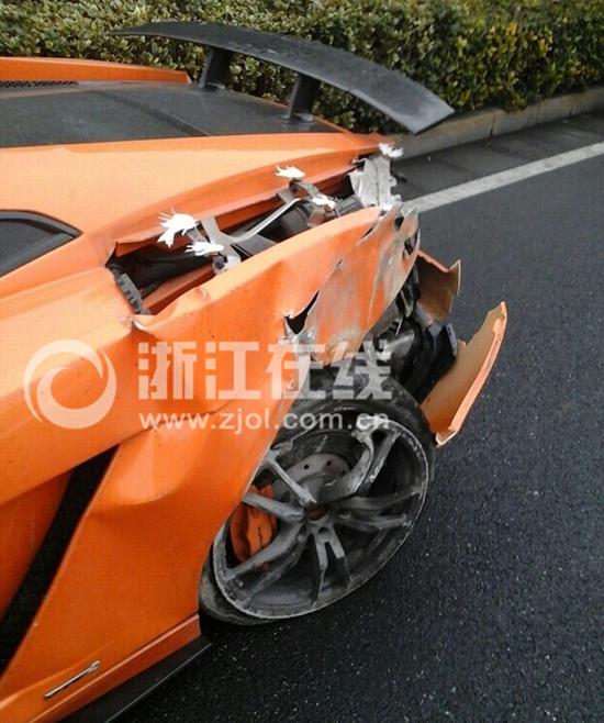 杭州一辆200多万豪车撞得面目全非 司机蹊跷消失 - 七色社会 - 七色社会