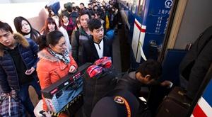 春运高峰将至 杭州城站客流持续上升