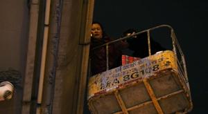 杭州爱猫人租升降车深夜高空救猫