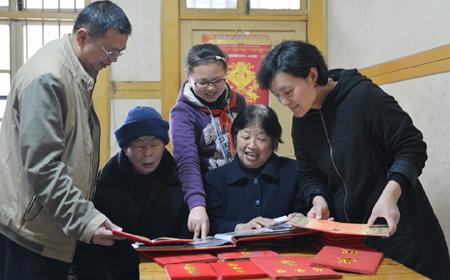 陈桂枝家庭:义务反扒22年成全国劳模
