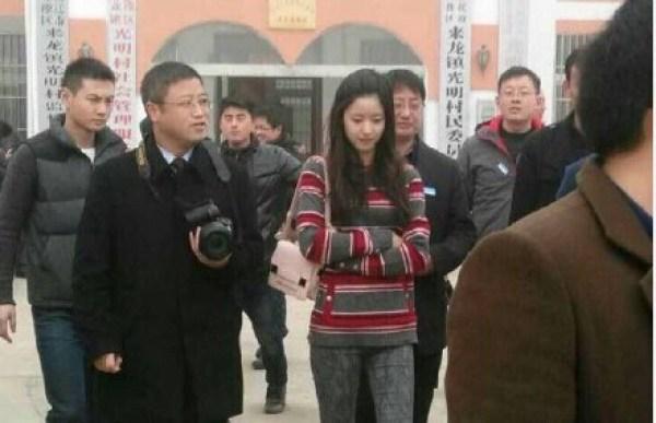 章泽天承认婚礼前怀孕 刘强东霸道示爱