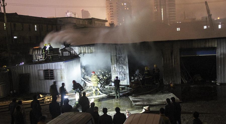 舟山定海一仓库发生火灾 3间仓库被烧毁