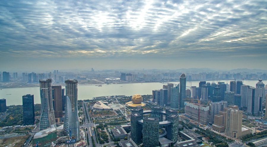 今晨杭州云层壮观