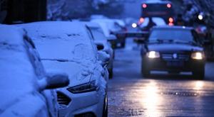 杭州雪后早高峰不堵 结冰道路仍需警惕