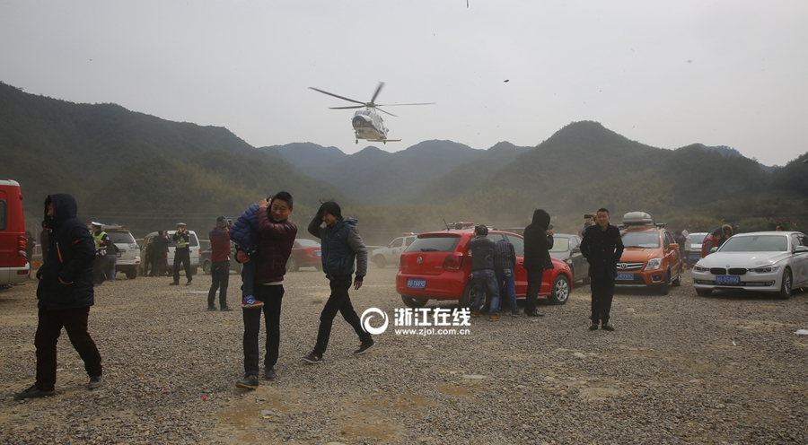 浦江动用直升飞机搜索走失小孩