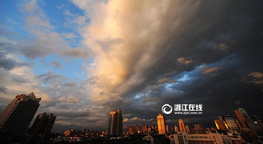 雨后杭城 云舞蓝天