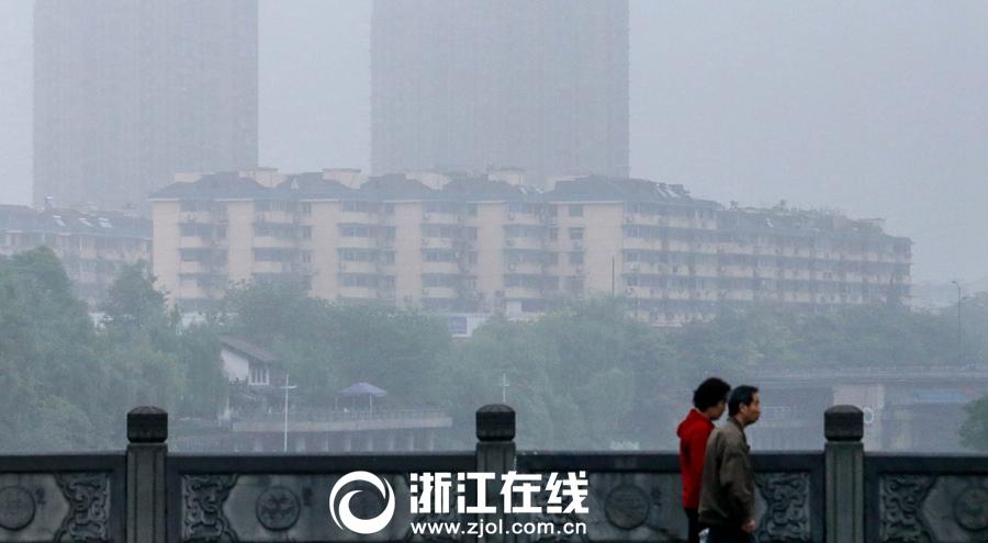 杭城雨雾迷蒙
