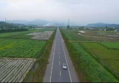 """安吉刘彭线:""""绿水青山""""生态走廊"""