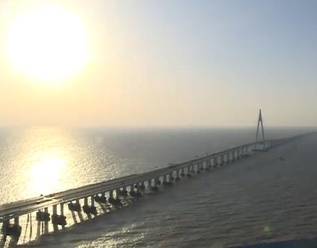 杭州湾跨海大桥:一道横卧波心的彩虹