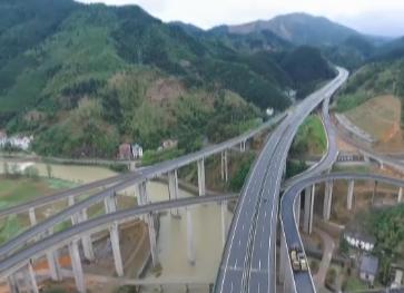 """黄衢南高速:百公里森林大道的""""致富潜能"""""""