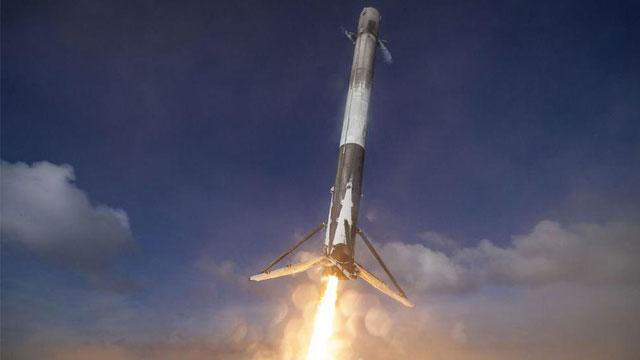 SpaceX����ö���ջ��ظ�