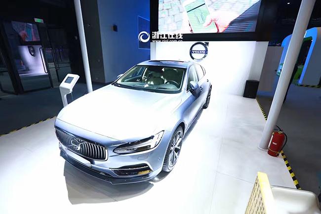 李书福:互联网汽车必须高度电动化