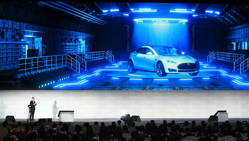 特斯拉增强型自动辅助驾驶