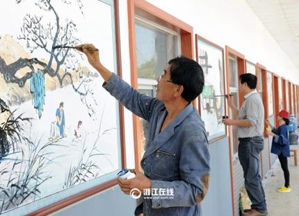 诸暨农民画家绘新村