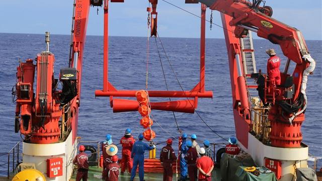 我国成功破解深海潜标数据