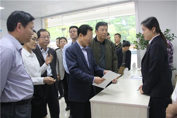 杭州市暨西湖区构建和谐劳动关系综合试验区现场推进会