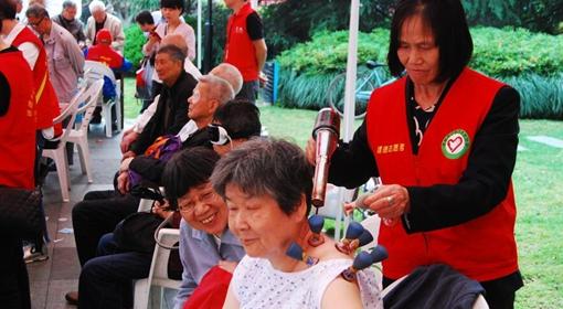 建德志愿者 服务到杭城