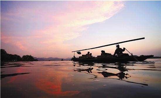 日落西湖 红霞满天