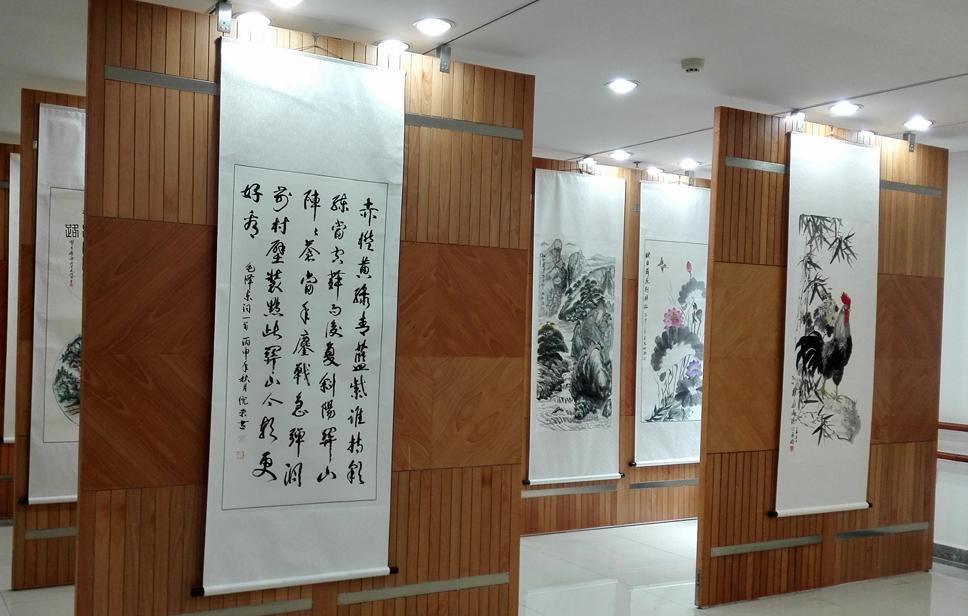 义乌:举办书画摄影展喜迎建党96周年