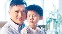他为自闭症儿子退出娱乐圈 竟培养出年级第一学霸