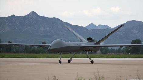 我国量产型彩虹五无人机试飞成功