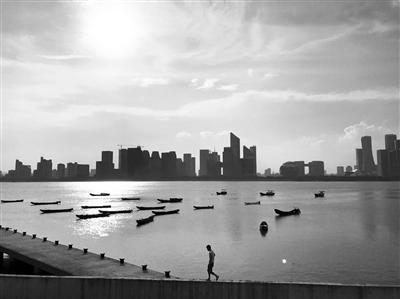 杭城最高气温38℃ 水泥路面最高温度68℃
