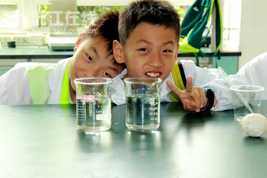 """将环境教育从高校实验室里""""释放""""出来"""