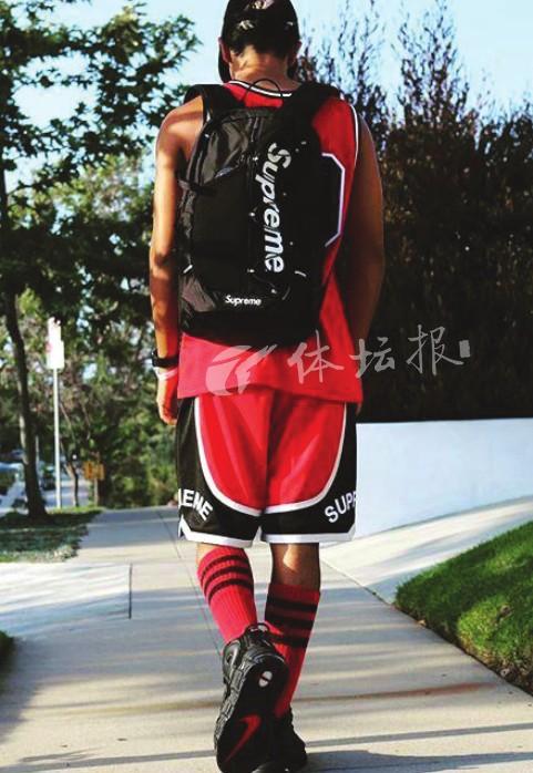 www.yl1093.com点击进入不会打球都要穿 篮球短裤竟成为今夏最火的潮人