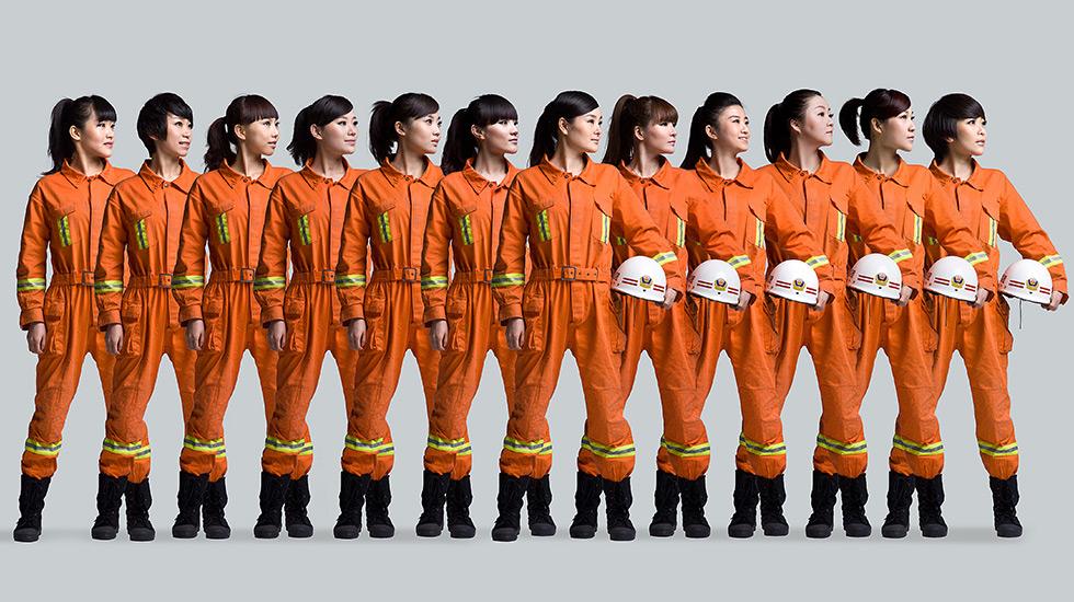"""""""最美浙江人——2012青春领袖""""十二女主播"""