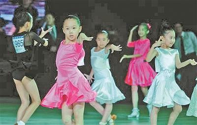 体育舞蹈国际公开赛在北仑举行