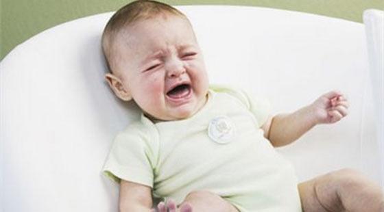 宝宝突然肚子痛 爸妈千万别大意