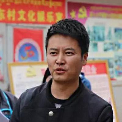 《榜样》尼玛江村:四次驻村的第一书记