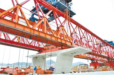 乐清湾大桥全线贯通 计划明年春节前通车