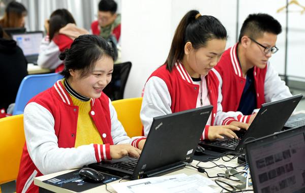 """供不应求 宁波千名电商专业学生备战""""双十一"""""""