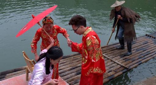 武义:水上婚礼倡导生态保护